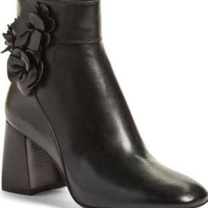 Size 5.5 Tory Burch Blossom Black Leather Boots